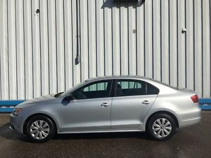 2012 Volkswagen Jetta Trendline *HEATED SEATS* Kitchener / Waterloo Kitchener Area image 2