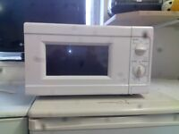 White microwave GT 534