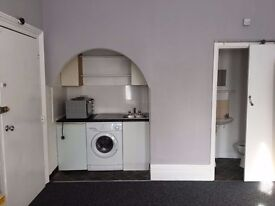 Bright and brilliant studio flat available now in forest gate only £850 Pcm