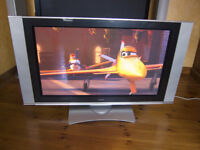 "Hitachi 42PD7200 42"" PLASMA TV - Good working condition"