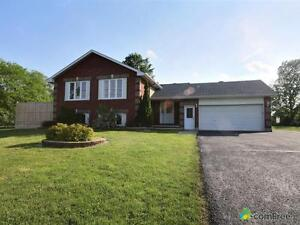 $359,900 - Bungalow for sale in Winchester