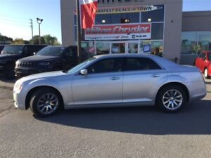 2012 Chrysler 300 LIMITED|LEATHER|PANORAMIC SUNROOF|BACK-UP CAME
