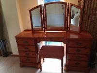 DUCAL CHATEAU TWIN PEDESTAL 9 DRAW DRESSING TABLE WITH MATCHING STOOL AND MIRROR