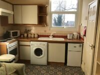 S10 Studio Fully furnished inc gas, electric and water close to hosp and Uni