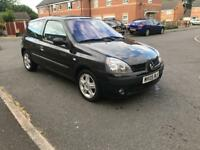 Renault Clio, Full Service History and MOT Till Next Year