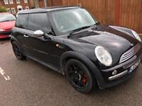 Beautiful condition MINI D 2003 long mot very cool very economical only 1350