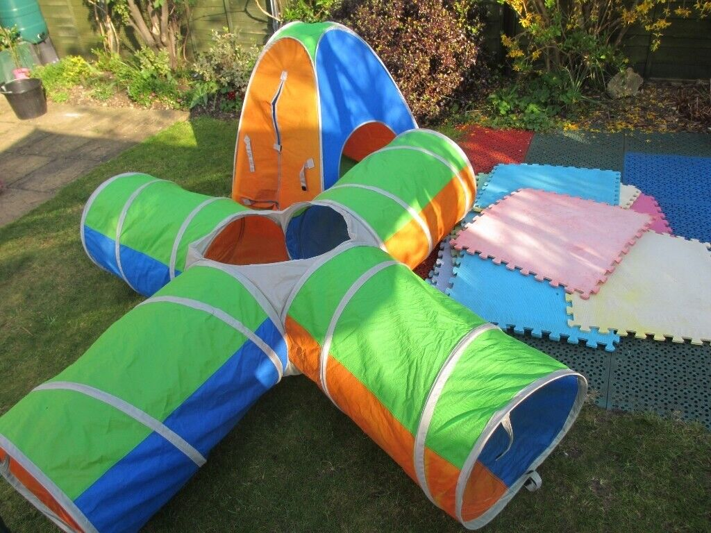 wholesale dealer fda57 7974a Pop up play tent, pop up play tunnel and 15 large play mats | in Yaxley,  Cambridgeshire | Gumtree