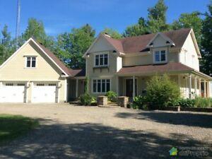 636 000$ - Maison 2 étages à vendre à St-Lucien