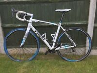 2014 Trek Madone 2.1 Mens Road Bike