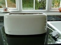 KENWOOD 4 SLICE WHITE TOASTER