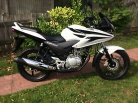 Honda CBF 125 M-B 2012 motorcycle white *brilliant codition* full MOT learner legal