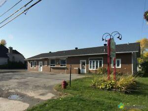 249 900$ - Commercial / Appartement à vendre à St-Zotique
