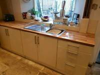 Kitchen units, Cooker, hob, fan and worktops for sale.