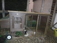 Chicken, duck or rabbit house on wheels with run