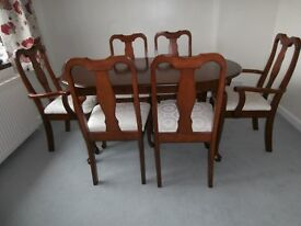 table and 6 chairs good condition