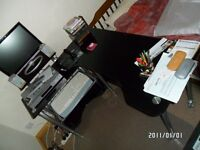 Desk - with keyboard drawer - extendable into L-shape - glass top - great flexibility in usage