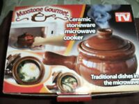 CERAMIC STONEWARE MICROWAVE COOKWARE (Brand New & Boxed)