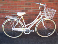 Ladies Liz Pepperell Raleigh Caprice Bicycle from 1993 in Beautiful Condition