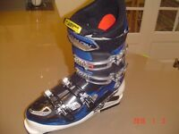 salomon ski boots size 10 2 years old used twice excellent condition paid £350 bargin £150