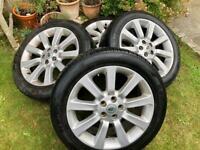 Range Rover 4 Wheels & Tyres