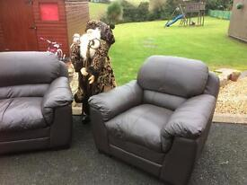 Beautiful Brown Leather 3 + 1 + 1. Sofas