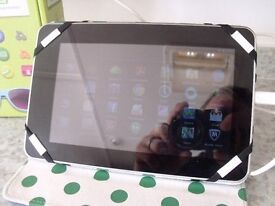 ACER ICONIA B1-710 8GB TABLET WITH CASE
