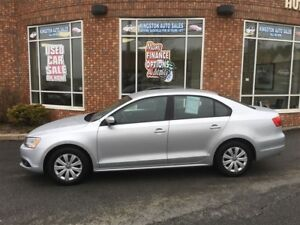 2014 Volkswagen Jetta 2.0L Trendline+ (Off Lease from VW Can.)
