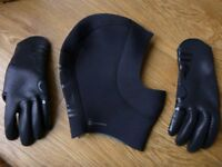 Dive hood and gloves