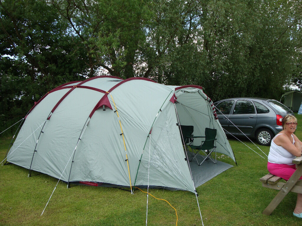 Pro Action Hyperdome 10 Man Tent In Jarrow Tyne And