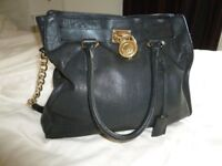 MICHAEL KORS BLACK LARGE HAMILTON HANDBAG