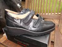 Brand new Cushion Walk black shoes