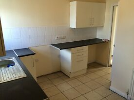 1 Bed LARGE flat. £380/month Small deposit (£200) 56a Yarm Lane (above pharmacy)