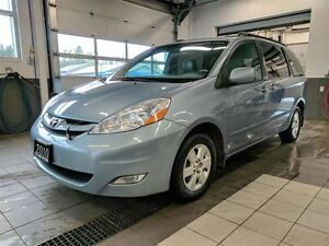 2010 Toyota Sienna LE 7 Passenger - Power Doors - Leather