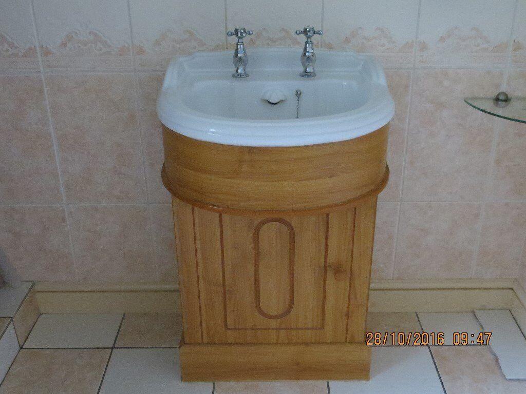 Doulton Bathroom Sink Vanity Unit 600mm Toilet Corner Bath 1530x1080mm