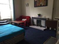 Edinburgh Leith, Big double room All bills included