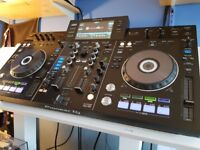 Pioneer XDJ-RX Controller / Mixer DJ system. Comes With UDG Flight Case.
