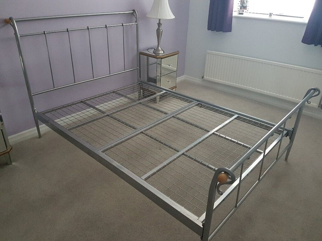 Metal Frame Double Bed Colour Silver