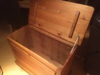 SOLID PINE BEDDING TOY BOX CHEST OTTOMAN
