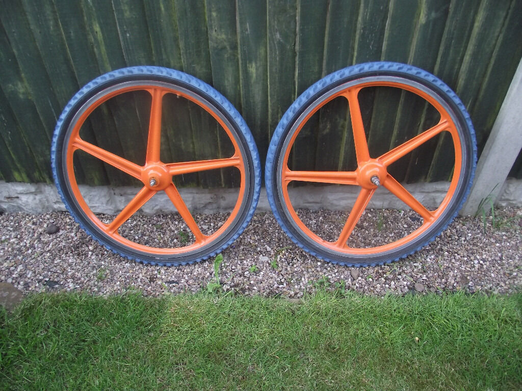 Grimeca 26 Mountain Bike Mag Wheels In Rainworth