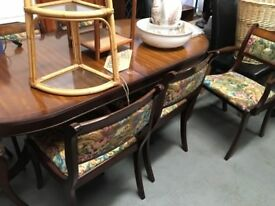great extending dining table with 6 chairs good condition £85.00