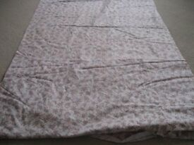 COTTON PRINT/FLORAL FABRIC - 44 METERS - NEW