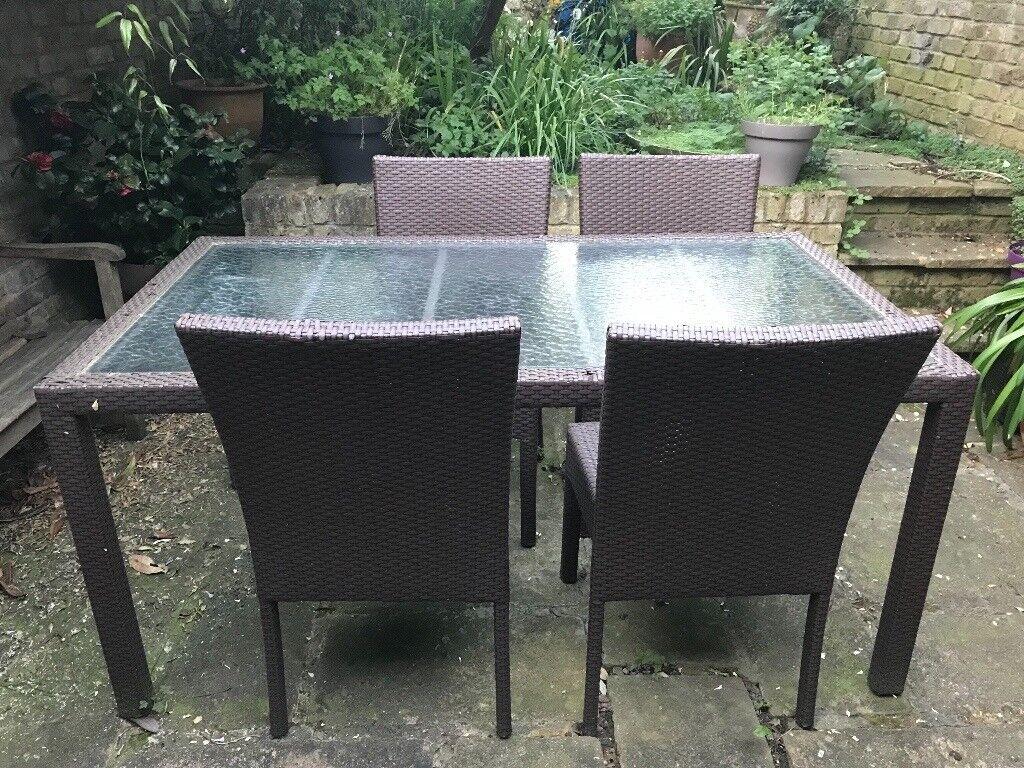 Nice garden table with 4 chairs in aluminium braid camden