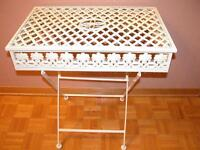 Wrought Iron Table/Table en Fer Forgé