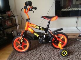 Boys bike with stabilizers 3 to 5 yrs