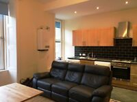 2 bedroom flat in Tollcross area, recently refurbished. STUDENT FRIENDLY