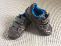 Clarks Boys trainer/shoes 4 1/2 F