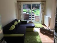 Guildford beautiful double bedroom, 5 mins walk from the University and the Hospital
