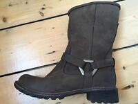 Size 6 1/2 Brown Timberland Boots