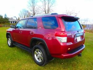2012 Toyota 4Runner SR5 V6 4X4 (jeep grand cherokee commander li