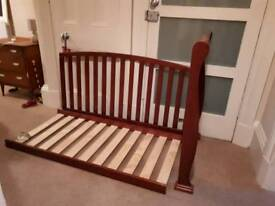 Sleigh cotbed, adjustable to 3 heights